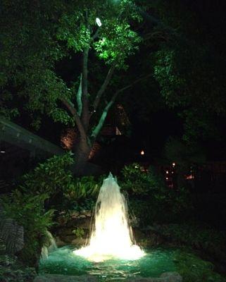 ILD_resort_fountain_underwater_lighting_400.jpg
